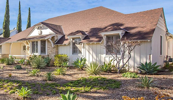 A property at 2217 Duxbury Circle in Beverlywood (credit: Sotheby's)