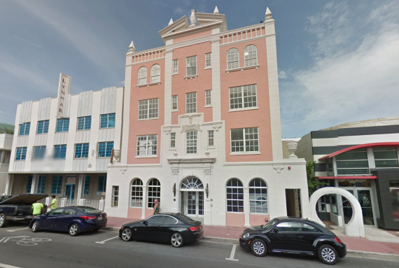 The London Arms mixed-use building at 727 Collins Avenue in Miami Beach