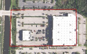 An aerial view of the Royal Palm Beach Toys 'R' Us