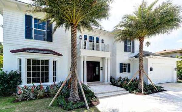264 Country Club Road in Palm Beach