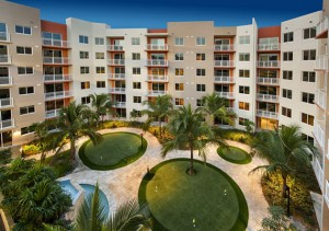 Manor at CityPlace Doral's courtyard