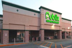 Publix-anchored Highland Square shopping center in Jacksonville