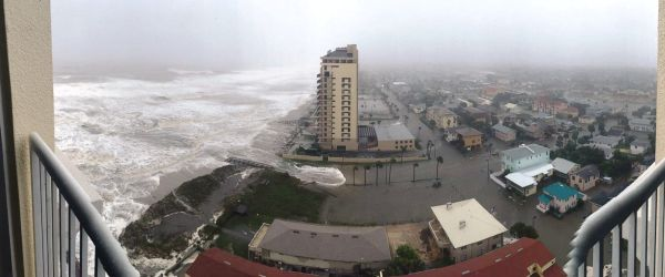 Beachfront flooding in Jacksonville on Friday (Source: ABC News)