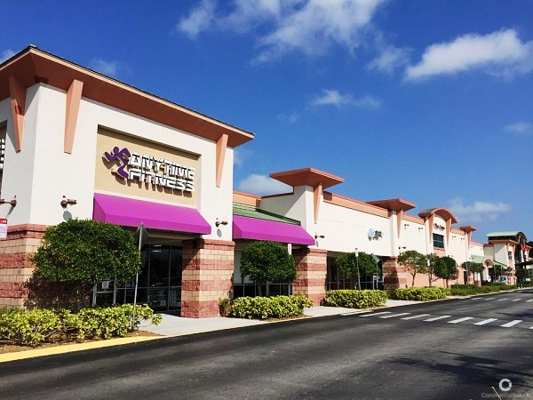 Mission Hills Shopping Center in Naples