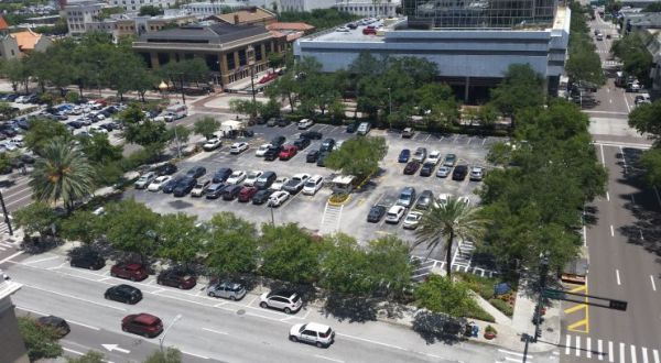 HRI Properties submitted the winning bid for this vacant lot next to Tampa City Hall. (Credit: Tampa Bay Times)