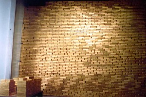 Wall of gold in the Federal Reserve Bank of New York (source: Businessweek)