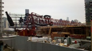 A collapsed crane at a TF Cornerstone site in Long Island City (Image courtesy Larry Dusseau)