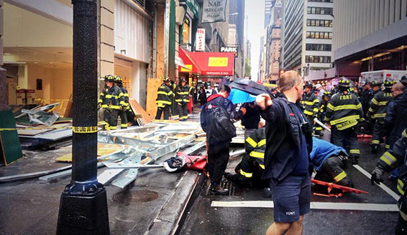 The scene of the scaffolding collapse at 40th Street and Seventh Avenue (Credit: @gabrielsperber via Twitter)