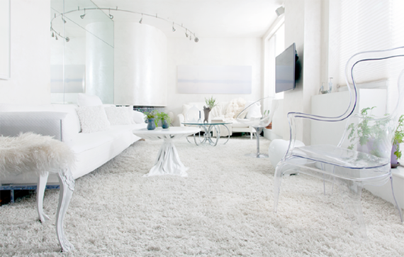 Myriad textures — like sheepskin and acrylic — within a white palette create a serene yet welcoming feel (Photo: Marc Scrivo)