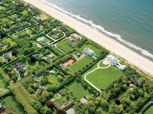 Oceanfront homes in the Hamptons