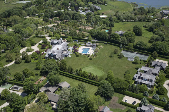 to-the-east-of-southhampton-is-bridgehampton-a-smaller-hamlet-its-a-bit-more-low-key-but-no-less-ritzy-the-hampton-classic-horse-show-is-held-here-every-year