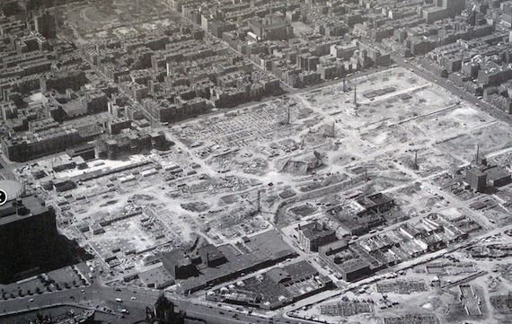 The construction site for Stuyvesant Town from up above. More than 600 buildings were razed to make way for the complex (Credit: Thomas Air Views, Stuyvesant Town via BridgesandParks)