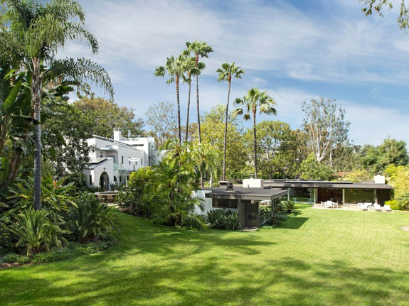 both-the-home-designed-by-neutra-right-and-the-contemporary-main-house-left-sit-in-stunningly-green-surroundings-in-pacific-palisades-california