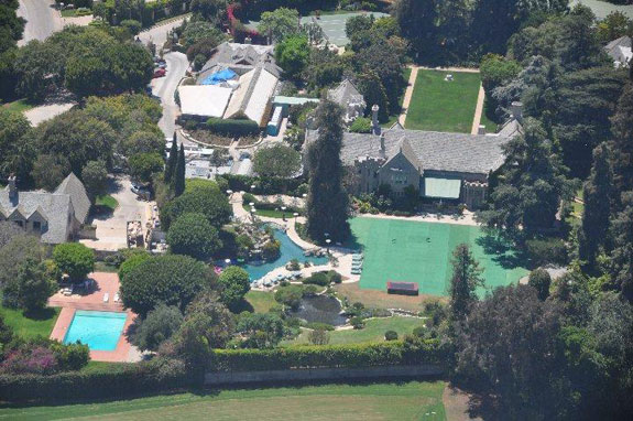 Playboy-Mansion-Pool-Grotto