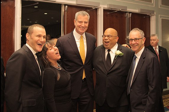 Rob Speyer of Tishman Speyer, Lisa Gomez of L+M Development Partners, Mayor Bill de Blasio, John Banks of REBNY and Ron Moelis of L+M Development Partners