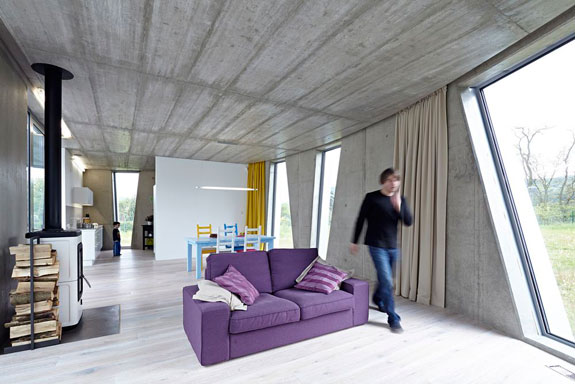 A sustainable house in the Czech Republic (credit: Andrea Thiel Lhotakova via ArchDaily)