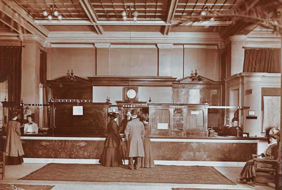 Lobby of the Martha Washington Hotel in 1907