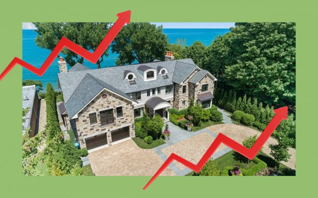 """Home sales continue to rise in the suburbs, with this lakefront mansion in Kenilworth having just sold for $7.5 million (Photo via <a href=""""https://www.redfin.com/IL/Kenilworth/143-Sheridan-Rd-60043/home/13785706"""" target=""""_blank"""" rel=""""noopener"""">Redfin</a>)"""