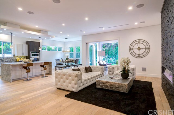 Sean Malto's new Sherman Oaks pad