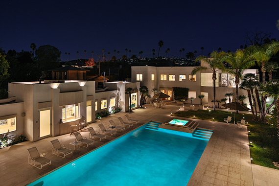Jackie collins beverly hills hilton hyland for Progetti di piscine e pool house