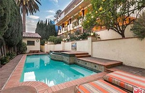 The pool at 6640 Whitley Terrace (credit: the MLS via Open Listings)