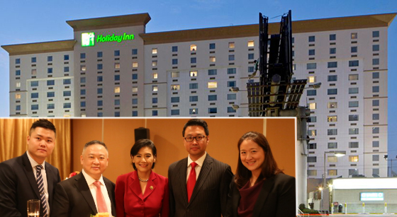 The Holiday Inn LAX (via IHG) and, from left: Benjamin Zhang og U.S. OCG; Zhouyun Wang, Chairman of Esong Group; Congresswoman Judy Chu; Don Li of Interstate Hotels & Resorts; Jackie Lee of Interstate Hotels & Resorts (vi PRN)