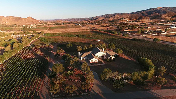 Agua Dulce winery at 9640 Sierra Highway