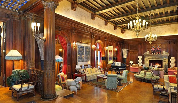 Inside the Playboy Mansion (Credit: SF Home Decor)