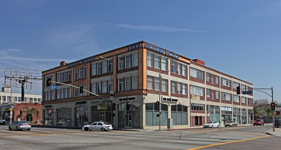 The lofts at 2222 South Figueroa Street (Credit: Realtor)