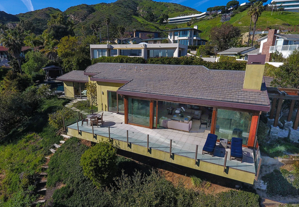 The View From Outside Robert Downey Jr S New Malibu Home Which He Picked Up For 3 8 Million