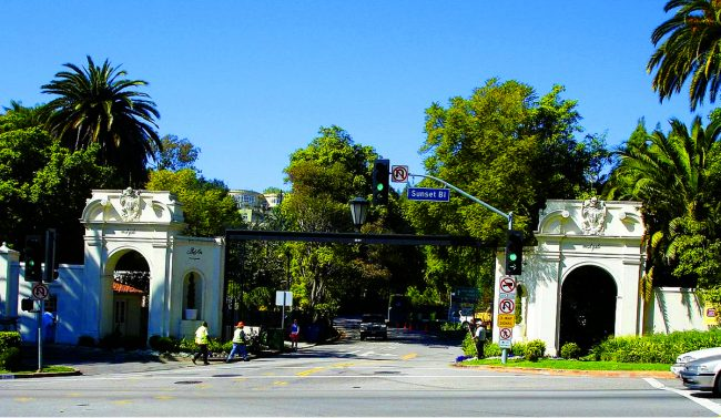 The West Gate To Bel Air (Credit: Wikimedia Commons). Luxury Homes In Some  Of Los Angelesu0027 ...