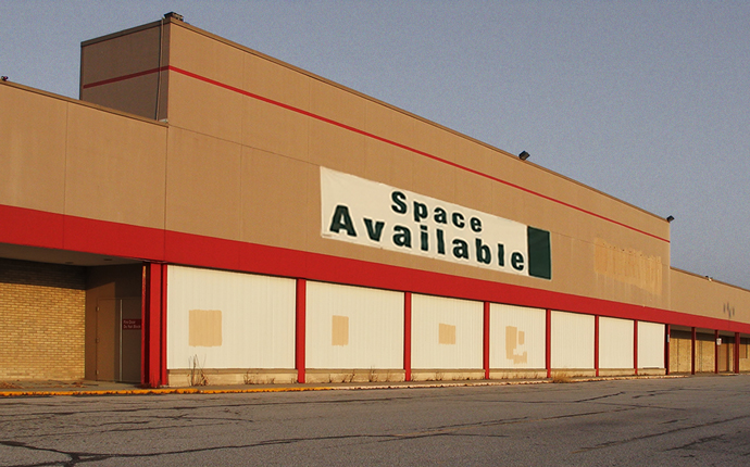 An empty big-box store (Credit: iStock)