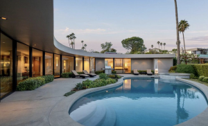 Musk's now-former home in Brentwood. (credit: Realtor.com)