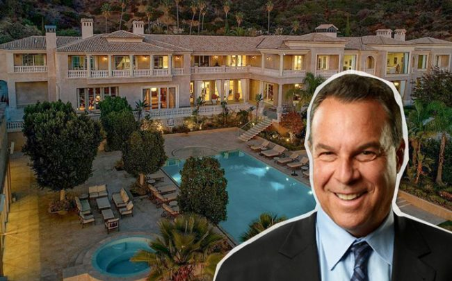 Jeff Greene in front of his Beverly Hills abode, listed at $129 million (Credit: Zillow)