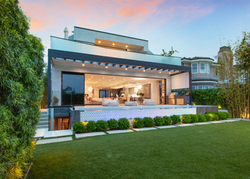 Chef and television personality Giada De Laurentis sold her Pacific Palisades home as a pocket listing, closing at $7 million. Smith Cho of Compass marketed the property.
