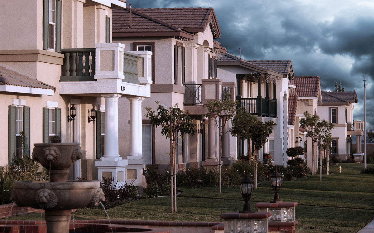 Nearly 10 percent of homes in Riverside County are worth less than their mortgages, making them particularly vulnerable amid the coronavirus crisis. (Credit:  David McNew/Getty Images)