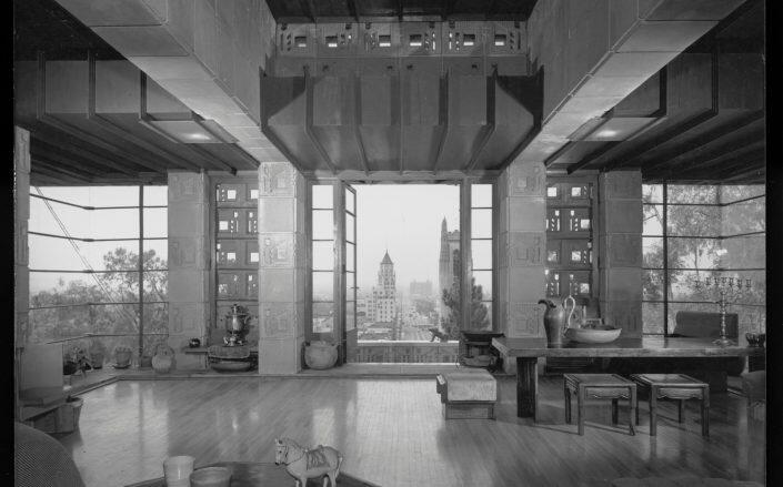 The inside of the Samuel and Harriet Freeman House (USC Architecture / J. Paul Getty Trust)