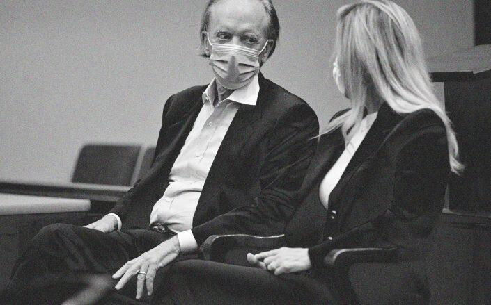 Bill and Amy Gross in Orange County Superior Court on October 1, 2021 (Getty)