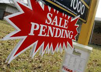 Pending home sales totaled 913 in July.