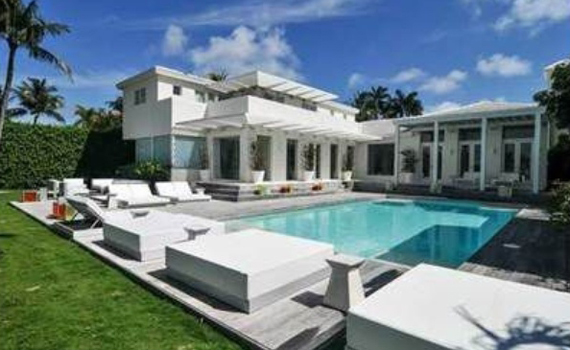 Miami celebrity homes shakira miami matt damon for Celebrity homes in florida