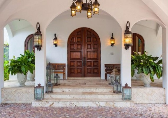 1889 South Bayshore Drive Miami-Dade $5.75M