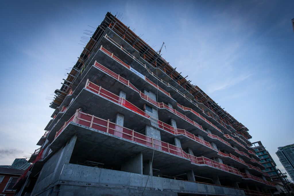 Cassa Brickell tops off