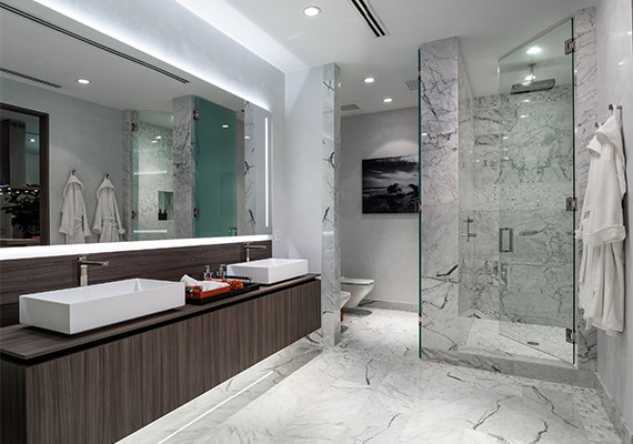 Brickell Flatiron bathroom