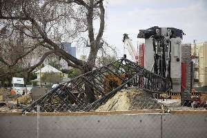 Crane collapse at train station construction site in West Palm Beach (Credit: Bruce R. Bennett / Palm Beach Post)