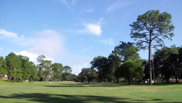 The closed Rolling Hills Golf Club in Seminole County