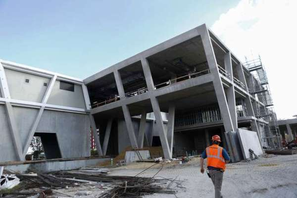 All Aboard Florida station under construction in West Palm Beach (Credit: Yuting Jiang / Palm Beach Post)