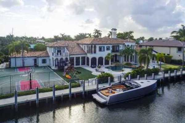 2571 Del Lago Drive in Fort Lauderdale