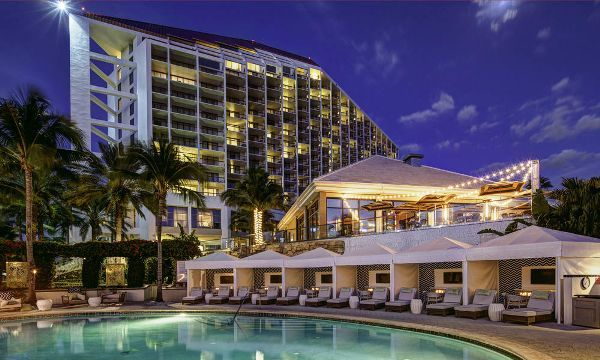 Naples naples grande beach resort hurricane irma for Hotel design naples