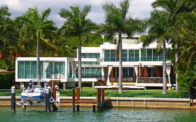 Contemporary Home With A Guest House In Miami Beach Credit Istock