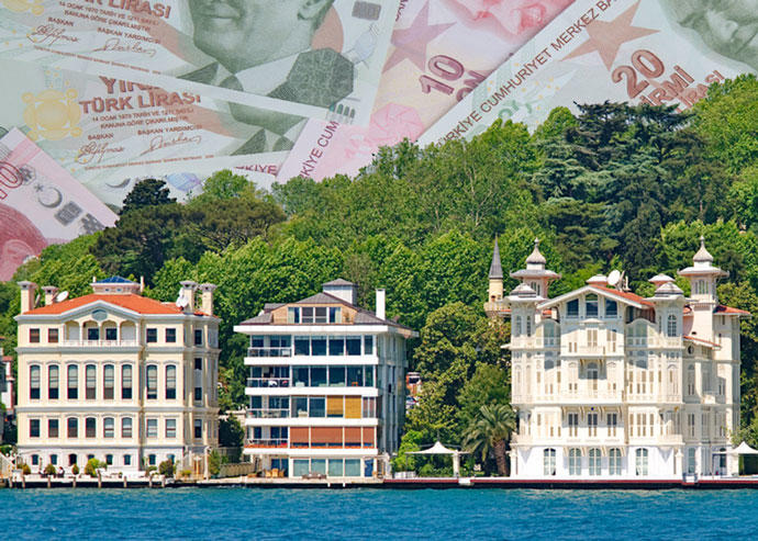 Luxury villas along the Bosphorus Strait in Turkey (Credit: iStock)